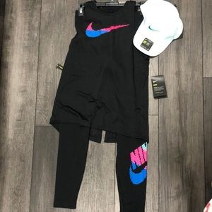 Women's Nike outfit with hat SMALL